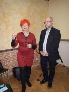 30.Barbara Schroeder zapowiada wystąpienie Kazimierza Ligockiego