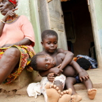 Ghana - podwórko jednej rodziny na wiosce.