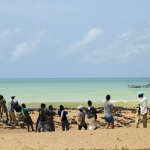 Togo - połowy ryb. Cała wioska bierze udział w wyciąganiu sieci.